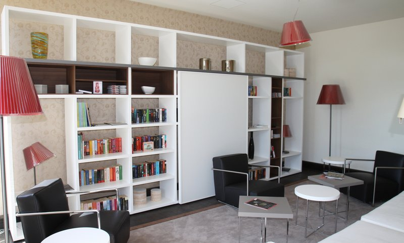 Holiday Inn Leipzig - Gunthersdorf-Library<br/>Image from Leonardo