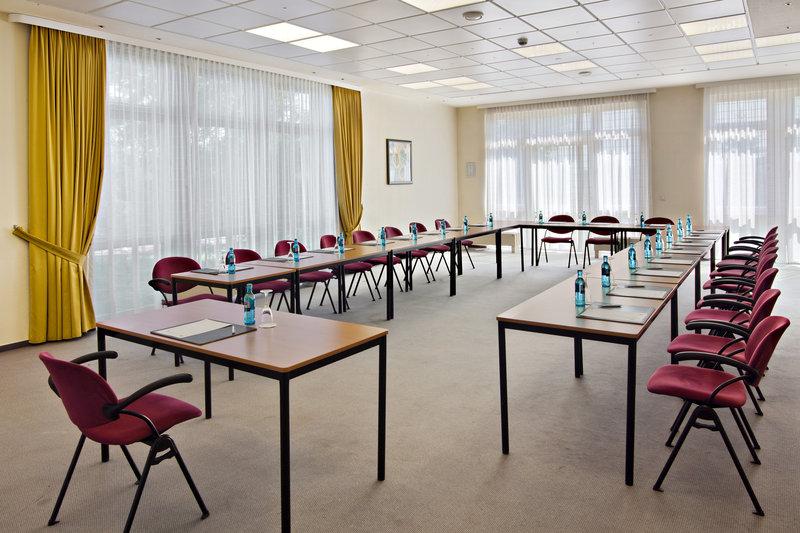 Holiday Inn Leipzig - Gunthersdorf-Conference Room<br/>Image from Leonardo