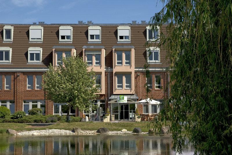 Holiday Inn Leipzig - Gunthersdorf-Hotel Exterior<br/>Image from Leonardo