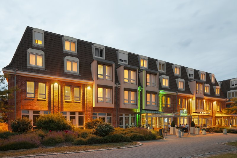 Holiday Inn Leipzig - Gunthersdorf-Guest Patio<br/>Image from Leonardo