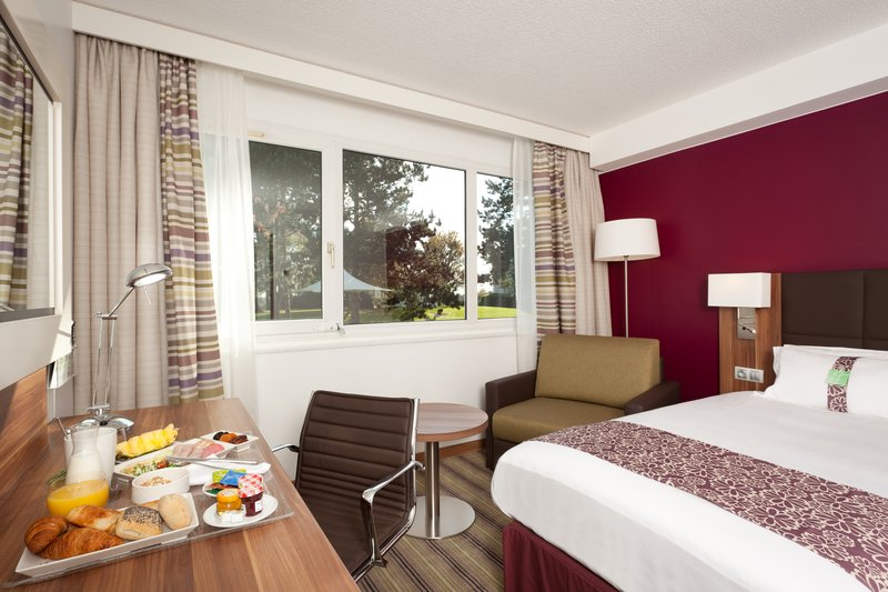 Holiday Inn Lille - Ouest Englos-Guest Room<br/>Image from Leonardo