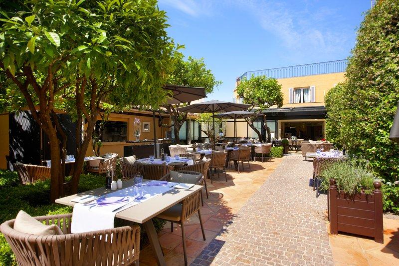 La Perouse Hotel-Terrace Restaurant<br/>Image from Leonardo