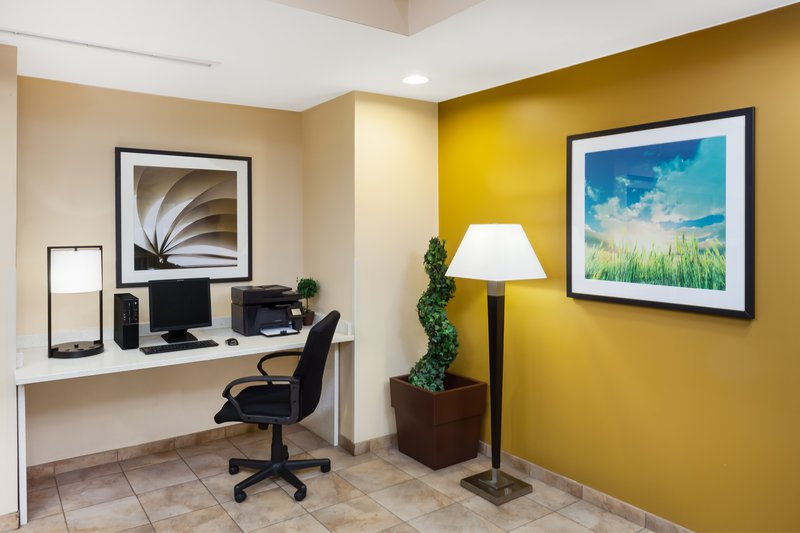 Candlewood Suites Aurora-Naperville-Newly-Renovaled Business Center<br/>Image from Leonardo
