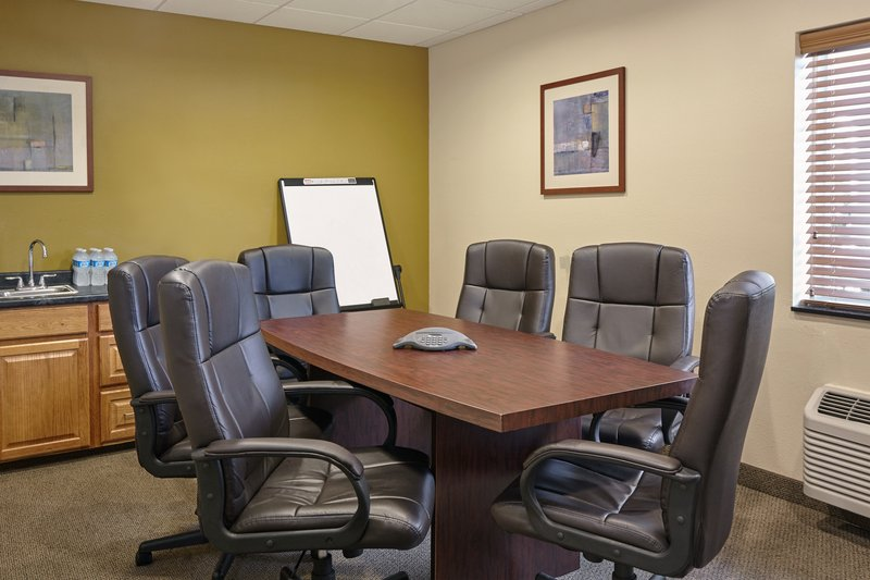Candlewood Suites Aurora-Naperville-Boardroom<br/>Image from Leonardo