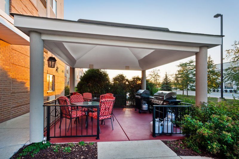 Candlewood Suites Aurora-Naperville-Newly-Renovated Gazebo with brand new grills<br/>Image from Leonardo