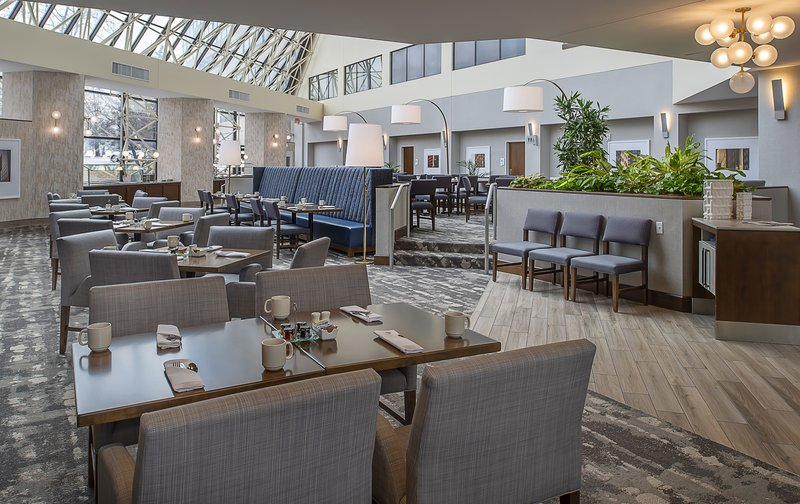 Crowne Plaza St. Louis Airport-Clouds Restaurant<br/>Image from Leonardo