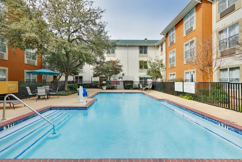 Candlewood Suites Dallas Market Centre-Swimming Pool <br/>Image from Leonardo