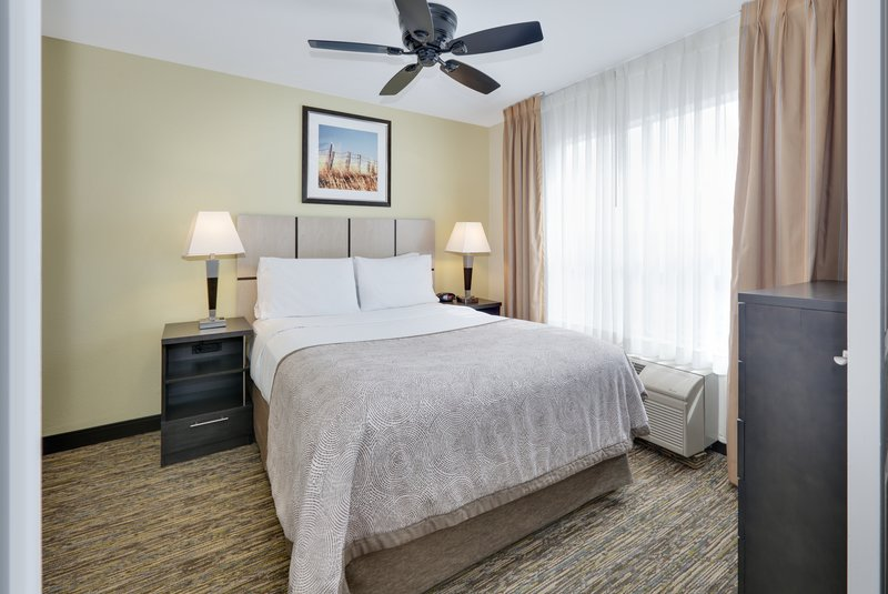 Candlewood Suites Dallas Market Centre-Suite <br/>Image from Leonardo