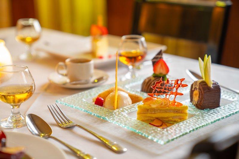 Jewel Paradise Cove Adult Beach Resort  - Platinum Restaurant Dessert <br/>Image from Leonardo