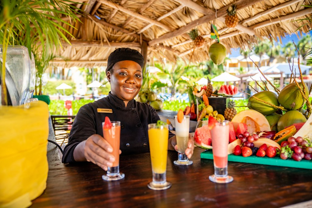Jewel Paradise Cove Adult Beach Resort -Smoothie Bar Service<br/>Image from Leonardo