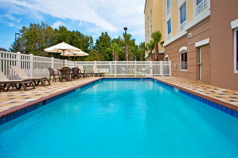 Holiday Inn Express Crystal River-Outdoor Swimming Pool<br/>Image from Leonardo
