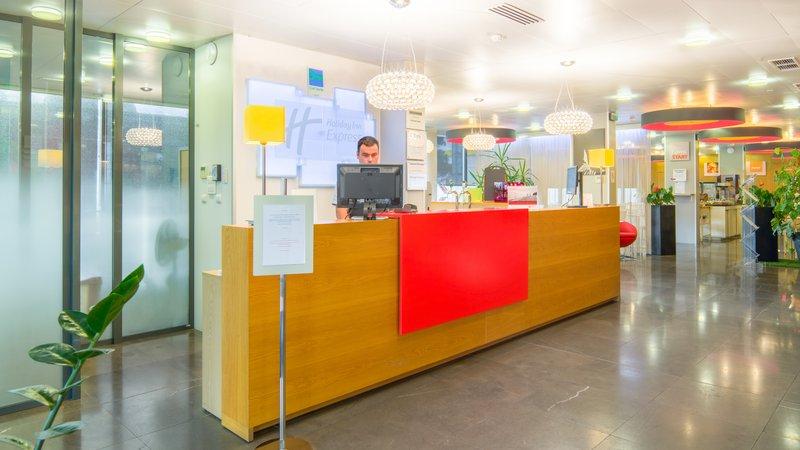 Holiday Inn Express Saint - Nazaire-24/7 Front Desk<br/>Image from Leonardo