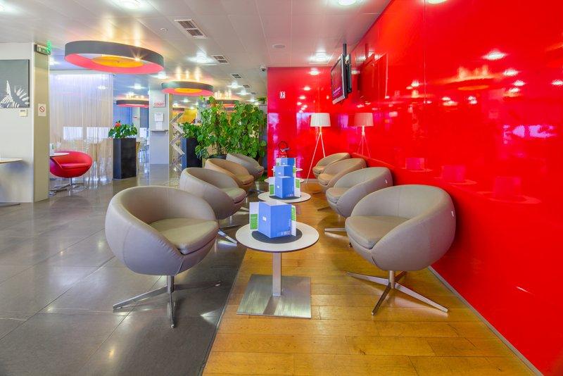 Holiday Inn Express Saint - Nazaire-Hotel Lobby<br/>Image from Leonardo