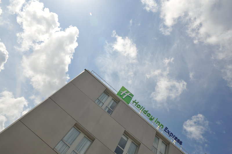 Holiday Inn Express Saint - Nazaire-Modern and comfortable midscale hotel in St Nazaire<br/>Image from Leonardo