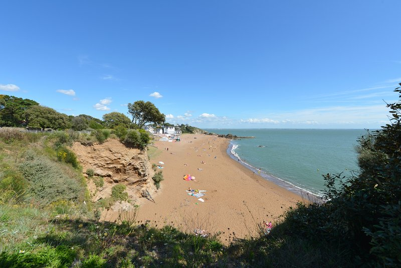Holiday Inn Express Saint - Nazaire-Sandy beach of St Nazaire<br/>Image from Leonardo