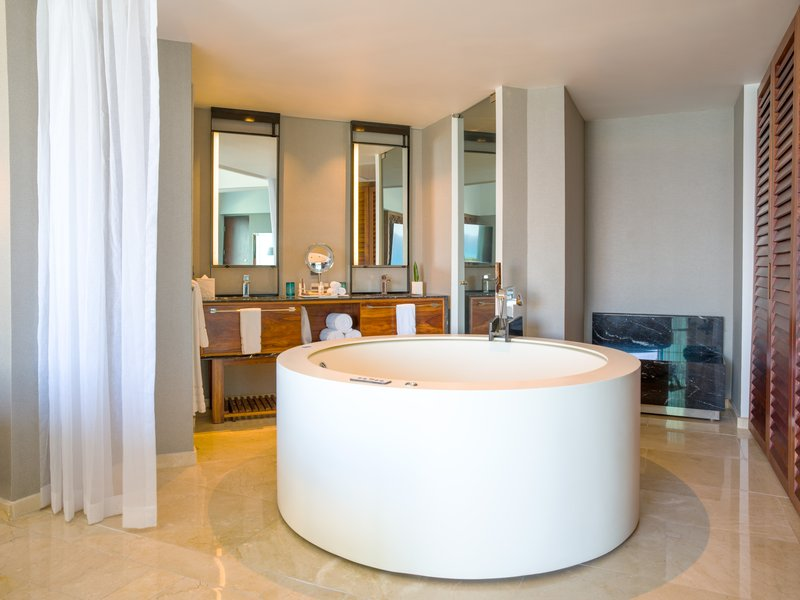 Live Aqua Cancun - Aqua Suite <br/>Image from Leonardo