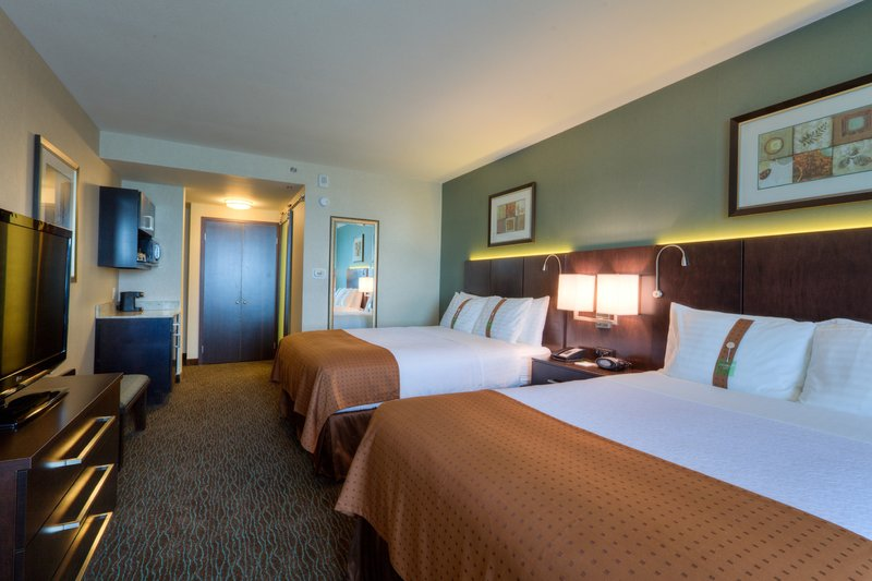 Holiday Inn Saskatoon Downtown-Two Queen Guest Room<br/>Image from Leonardo