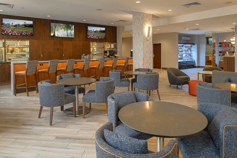 Crowne Plaza St. Louis Airport-Lobby Bar<br/>Image from Leonardo