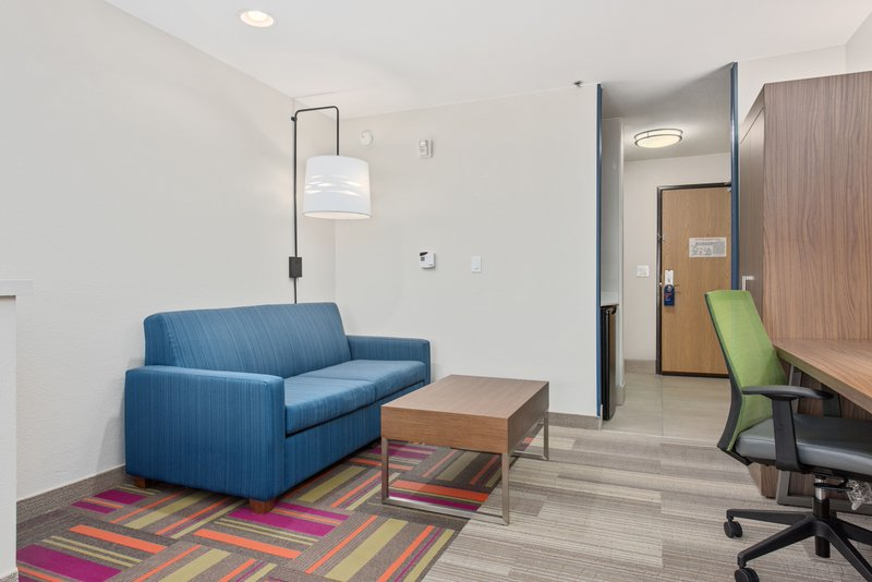 Holiday Inn Express & Suites Salt Lake City West Valley-Suite<br/>Image from Leonardo