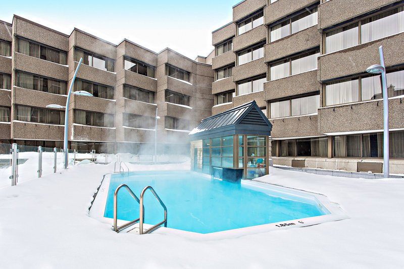 Delta Hotels by Marriott Quebec-Outdoor Heated Pool<br/>Image from Leonardo