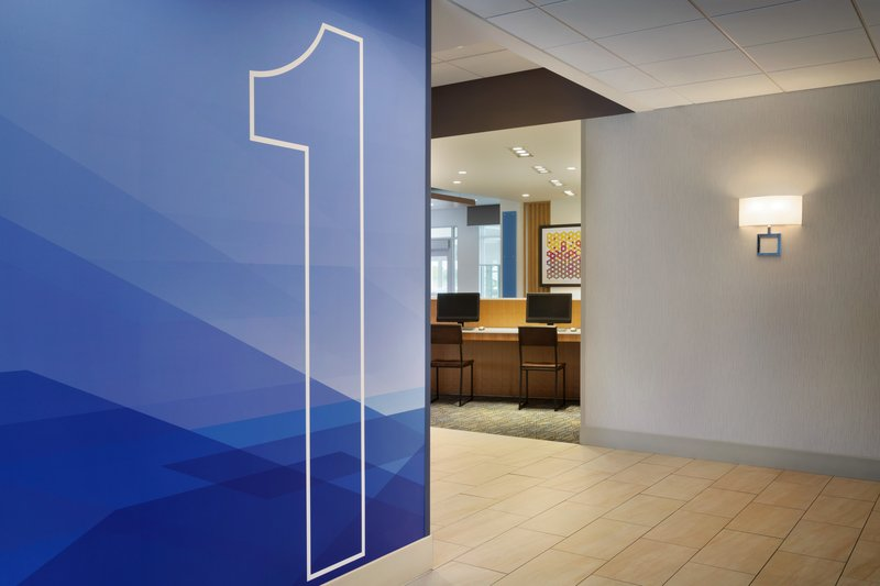 Holiday Inn Express And Suites Madisonville-Business Center<br/>Image from Leonardo