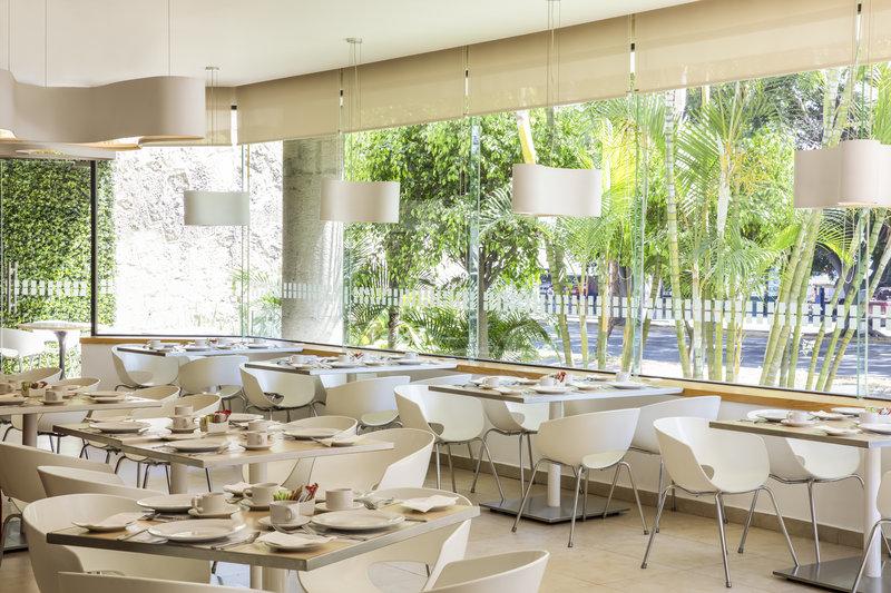Fiesta Inn Guadalajara Expo-Restaurant<br/>Image from Leonardo