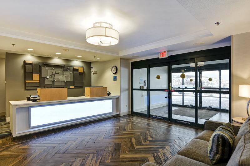 Holiday Inn Express & Suites Milwaukee-New Berlin-Entrance<br/>Image from Leonardo