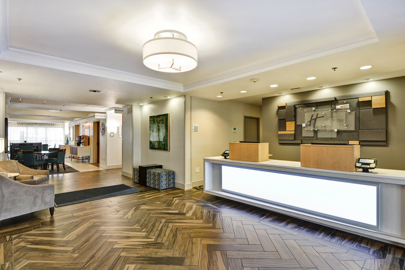 Holiday Inn Express & Suites Milwaukee-New Berlin-Hotel Lobby<br/>Image from Leonardo