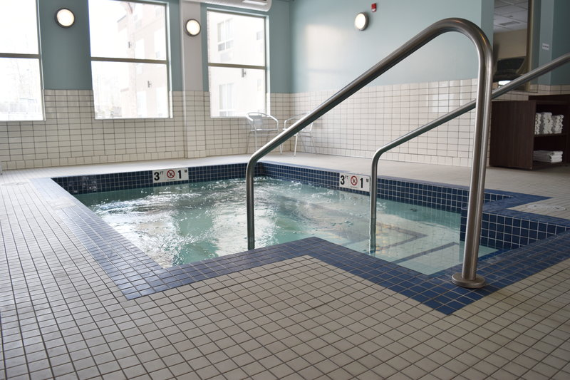 Holiday Inn Express Golden-Kicking Horse-Whirlpool<br/>Image from Leonardo