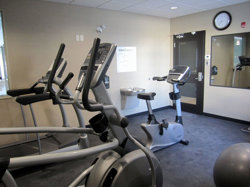 Holiday Inn Express Golden-Kicking Horse-Fitness Center<br/>Image from Leonardo