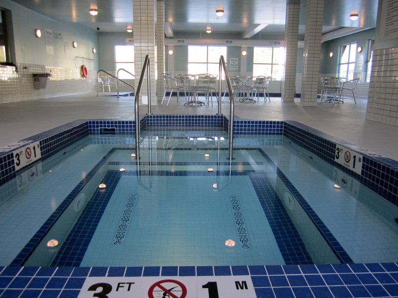 Holiday Inn Express Golden-Kicking Horse-Whirlpool<br/>Image from Leonardo