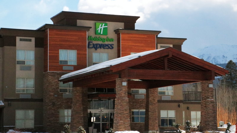 Holiday Inn Express Golden-Kicking Horse-Hotel Exterior<br/>Image from Leonardo