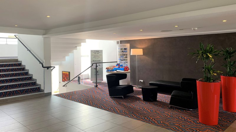 Holiday Inn Lille - Ouest Englos-Hotel Lobby<br/>Image from Leonardo
