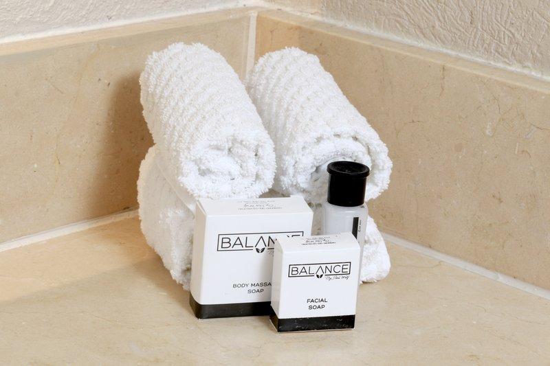 Staybridge Suites Guadalajara Expo-Bathroom Amenities<br/>Image from Leonardo