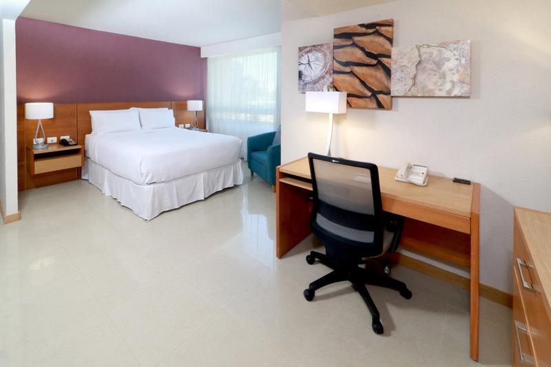 Staybridge Suites Guadalajara Expo-Queen Bed Guest Room<br/>Image from Leonardo