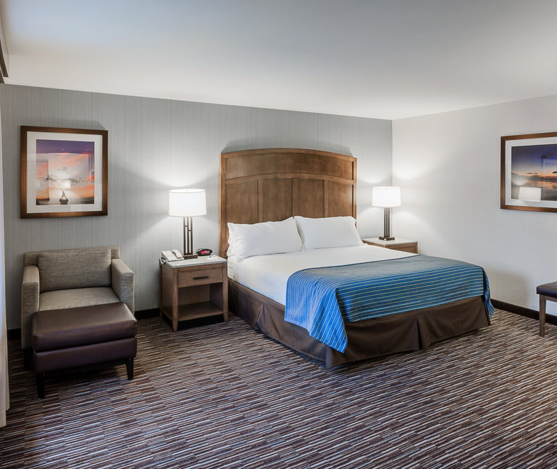Holiday Inn Express & Suites Carpinteria-King Size Bed w/Leisure Chair and Ottoman<br/>Image from Leonardo