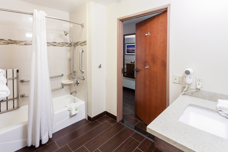 Holiday Inn Express & Suites Carpinteria-Accessible Guestroom Bath w/Bathtub<br/>Image from Leonardo