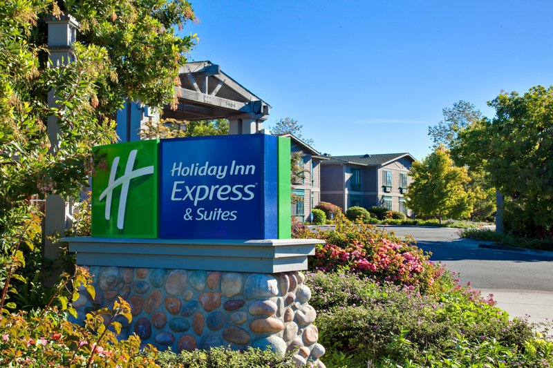 Holiday Inn Express & Suites Carpinteria-Hotel Exterior<br/>Image from Leonardo