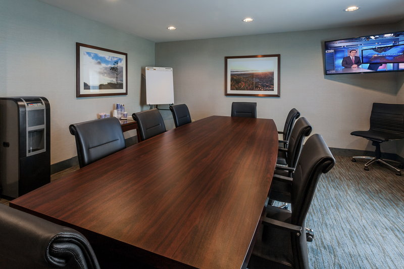 Holiday Inn Express & Suites Carpinteria-Rincon Room Executive Meeting Room<br/>Image from Leonardo