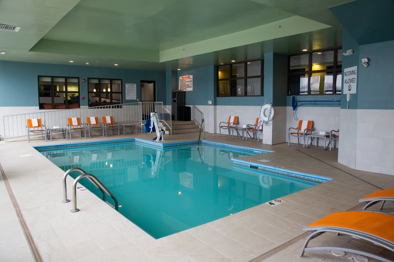 Holiday Inn Express Omaha West - 90th Street-Swimming Pool<br/>Image from Leonardo