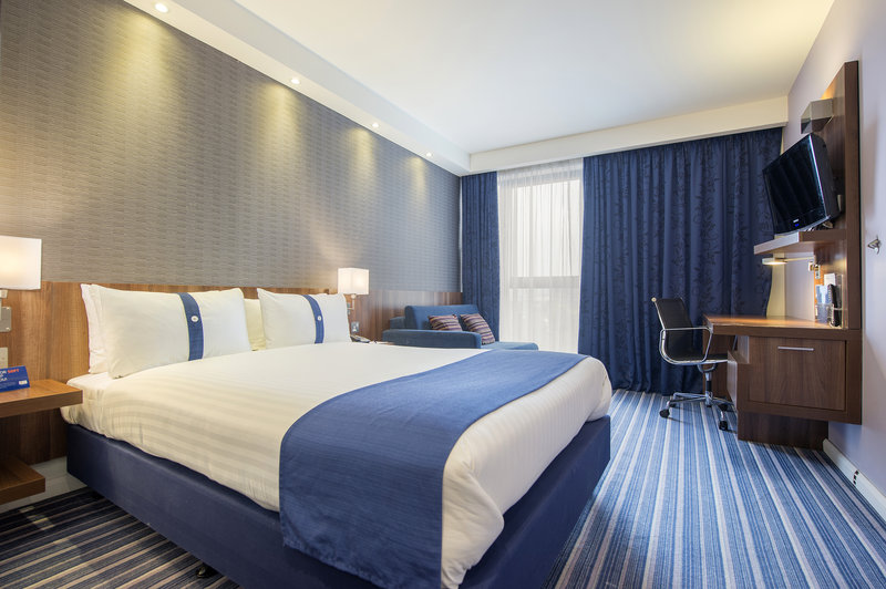 Holiday Inn Express Sheffield City Centre-Relax and unwind in your Double room<br/>Image from Leonardo