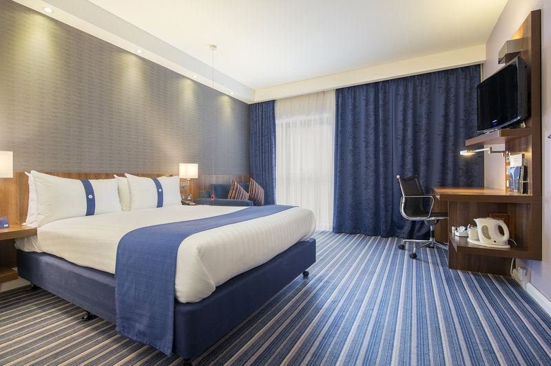 Holiday Inn Express Sheffield City Centre-Fully accessible double room<br/>Image from Leonardo