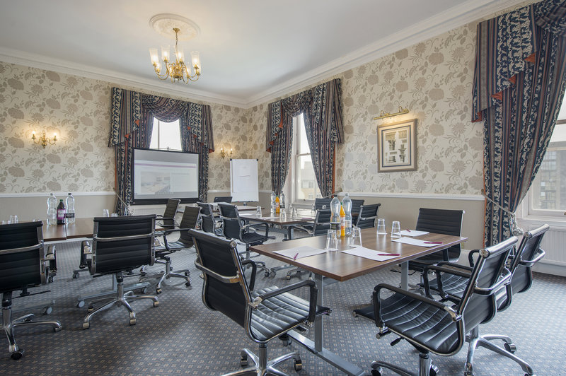 Holiday Inn Sheffield-York Suite with natural daylight<br/>Image from Leonardo