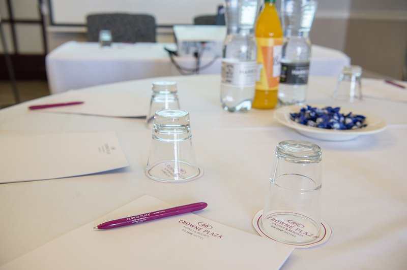 Holiday Inn Sheffield-Pads, pens, water & cordials complimentary with all meeting rooms<br/>Image from Leonardo