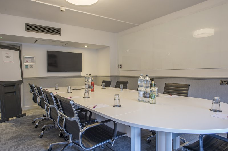 Holiday Inn Sheffield-Victoria Suites are ideal for a Boardroom meeting<br/>Image from Leonardo