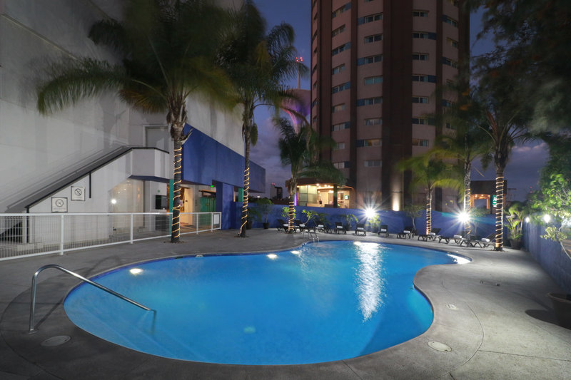 Staybridge Suites Guadalajara Expo-Swimming Pool<br/>Image from Leonardo