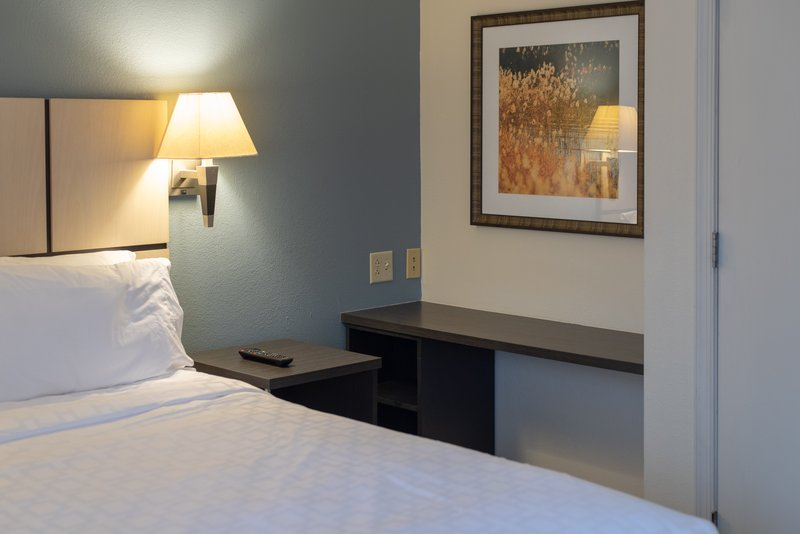 Candlewood Suites Pittsburgh-Airport-Suite<br/>Image from Leonardo