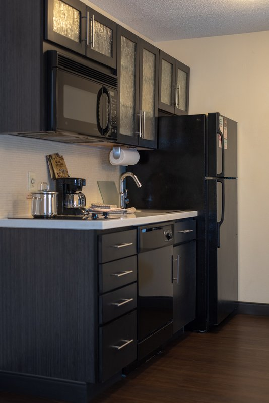Candlewood Suites Pittsburgh-Airport-One Bedroom Suites Full Kitchen<br/>Image from Leonardo