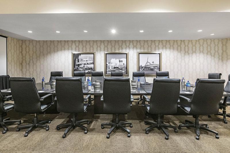 Riviera Palm Springs-Executive Boardroom<br/>Image from Leonardo