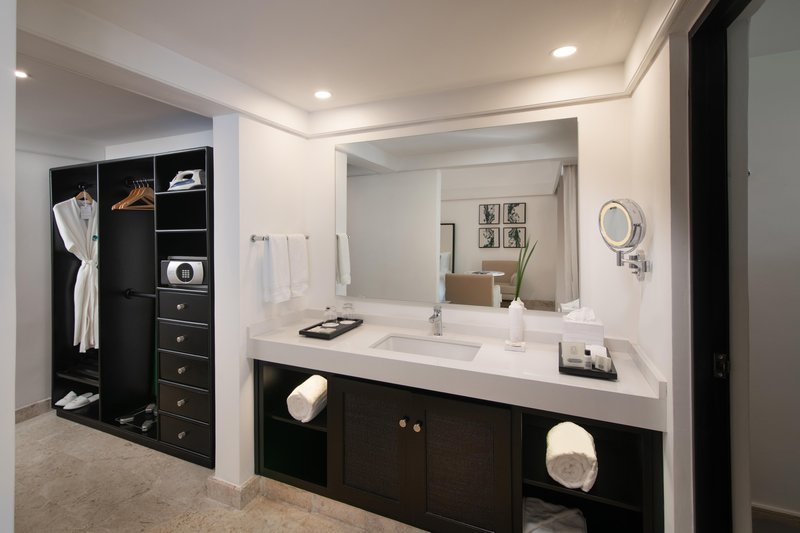 Casa De Campo - Superior Casita Bathroom And Vanity <br/>Image from Leonardo